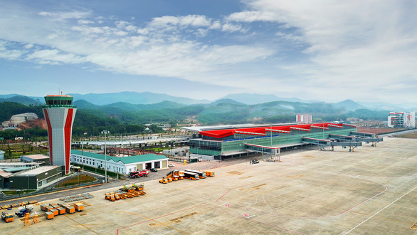 Các chuyến bay giải tỏa khách từ Trung Quốc về phải hạ cánh ở Vân Đồn - Ảnh 1.