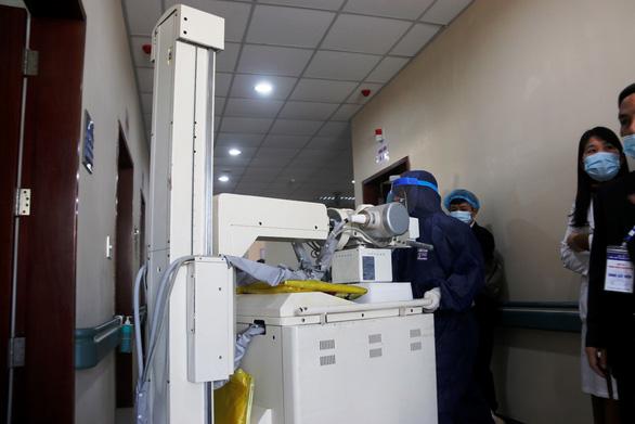 Bệnh viện Trung ương Huế sẵn sàng biến thành khu cách ly điều trị virus corona - Ảnh 4.