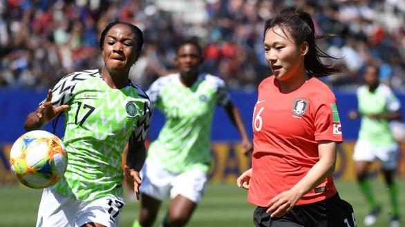 HLV Mai Đức Chung tiếc vì không có dịp cọ xát cùng đội tuyển nữ Triều Tiên - Ảnh 2.