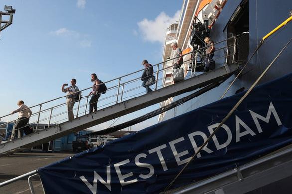TP.HCM lên phương án xử lý chuyến bay có khách từng đi trên tàu Westerdam - Ảnh 1.