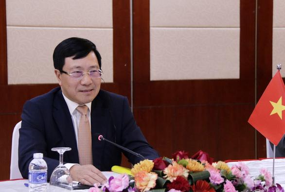 Bộ Ngoại giao: Chống dịch nhưng không đóng cửa thương mại với Trung Quốc - Ảnh 2.