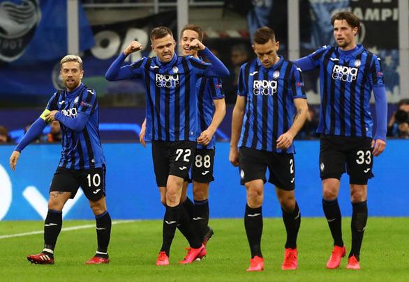 Đè bẹp Valencia, Atalanta đặt một chân vào tứ kết Champions League - Ảnh 2.