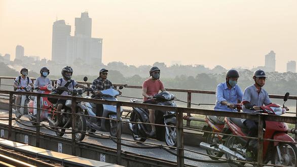 Nam Bộ nóng 35 độ C, Bắc Bộ chất lượng không khí ở có hại cho sức khỏe - Ảnh 1.