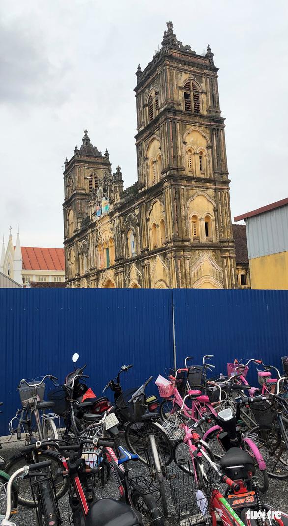 Nhà thờ Bùi Chu lại hoãn hạ giải - Ảnh 2.