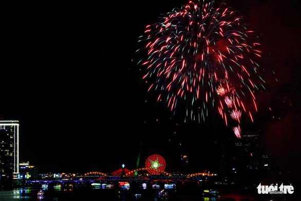 Đà Nẵng hủy lễ hội pháo hoa quốc tế năm 2020 vì COVID-19 - Ảnh 1.