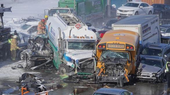 Canada: 69 người bị thương trong một vụ tai nạn liên hoàn của 200 chiếc xe - Ảnh 1.