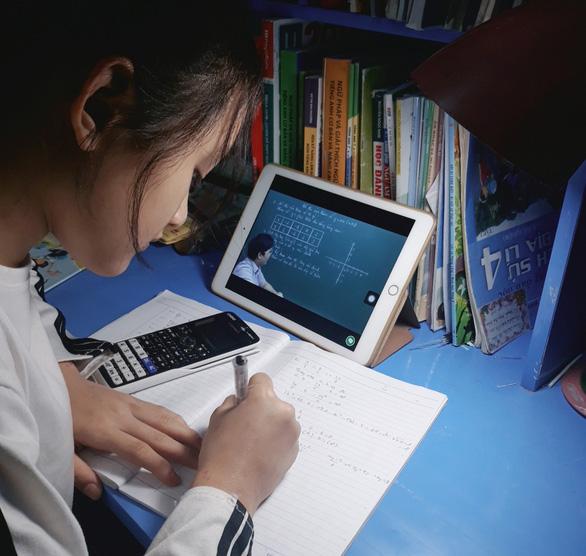 Tranh luận quanh kiến nghị của TP.HCM cho học sinh nghỉ học hết tháng 3 - Ảnh 2.