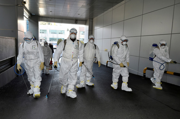 Hàn Quốc thêm 52 ca nhiễm COVID-19 mới, tăng gấp ba lần sau hai ngày - Ảnh 1.