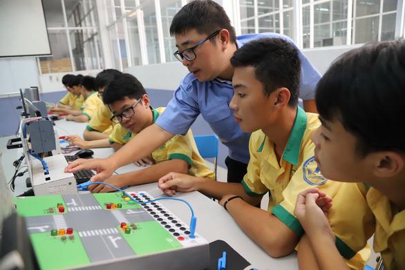 Description: Đề nghị các trường nghề đẩy mạnh đào tạo trực tuyến - Ảnh 1.