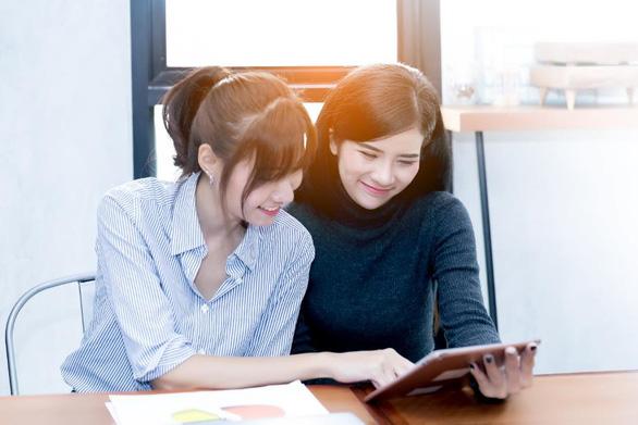 Công ty bảo hiểm chạy đua ra mắt các ứng dụng trực tuyến hỗ trợ kinh doanh - Ảnh 2.