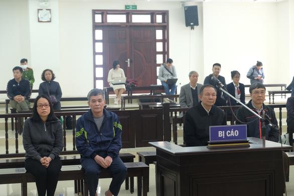 Cựu thứ trưởng Lê Bạch Hồng được giảm 9 tháng tù - Ảnh 1.