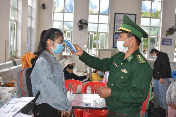Từ 7h sáng 9-3, tạm thời không cho người nước ngoài ra đảo Lý Sơn - Ảnh 1.