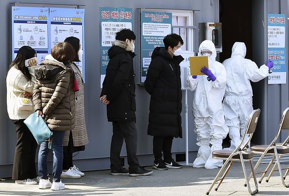 Hàn Quốc thông báo số người nhiễm corona tăng vọt: 346 ca - Ảnh 1.