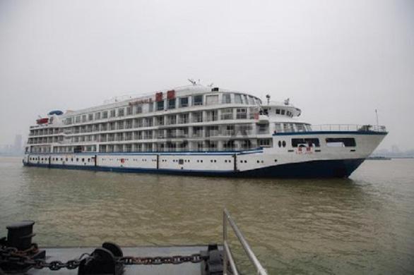 Trung Quốc điều 7 du thuyền làm khách sạn nổi cho y bác sĩ Vũ Hán - Ảnh 2.