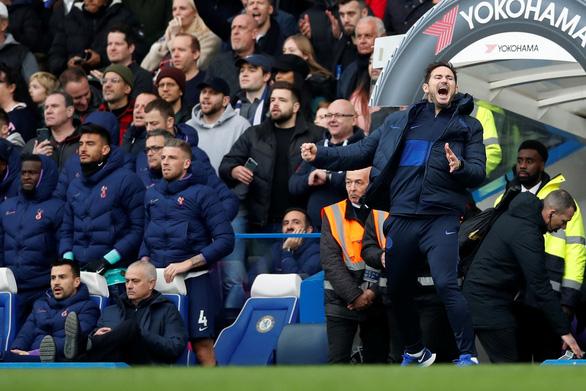 Mourinho: người đổ thừa chứ không còn là người đặc biệt - Ảnh 2.