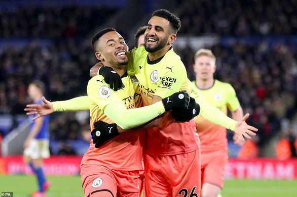 Aguero sút hỏng penalty, Jesus giúp Man City khuất phục Leicester tại King Power - Ảnh 1.
