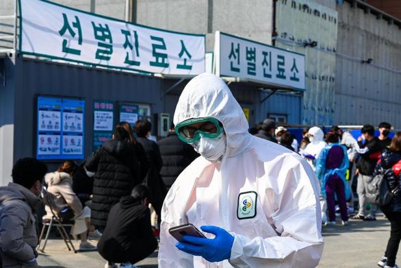 Có ca tử vong thứ 6 do COVID-19, Hàn Quốc nâng báo động lên mức cao nhất - Ảnh 5.