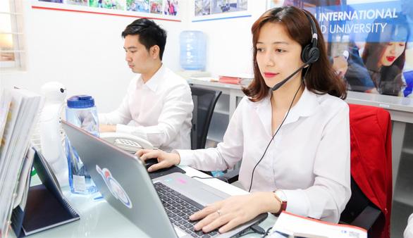 Đội ngũ tư vấn uy tín tham gia chương trình Tư vấn tuyển sinh trực tuyến của UEF - Ảnh 2.