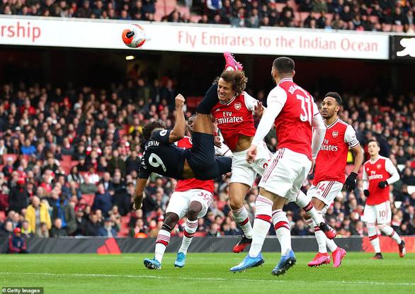 Aubameyang lập cú đúp, Arsenal thắng nghẹt thở Everton - Ảnh 1.
