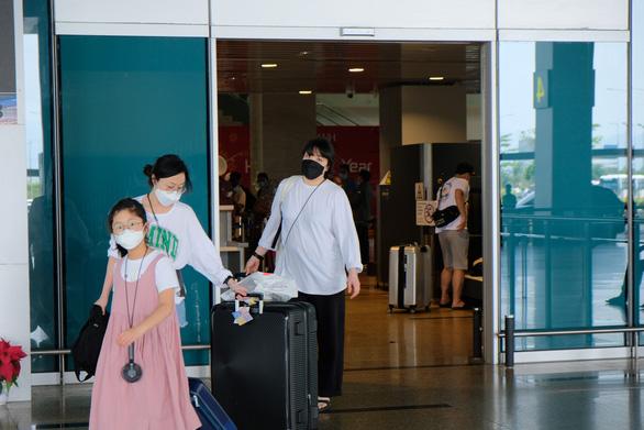 Khánh Hòa ngừng đường bay Daegu, kiểm soát nghiêm ngặt khách Hàn Quốc - Ảnh 1.