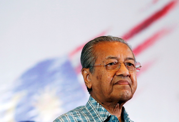 Vua Malaysia hỏi ý kiến từng nghị sĩ tìm thủ tướng mới - Ảnh 1.
