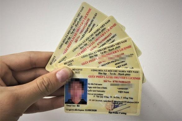 Xử lý nghiêm hành vi gian dối trong khai báo về giấy phép lái xe - Ảnh 1.