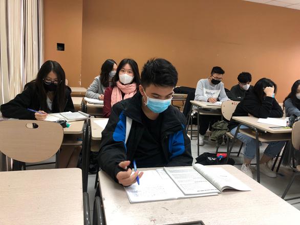 Ngày 28-2, Hà Nội sẽ quyết thời điểm học sinh trở lại trường - Ảnh 1.