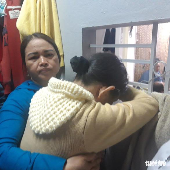 Vụ 10 người chìm ghe: người mẹ chết chìm với vòng tay ôm trước bụng - Ảnh 2.