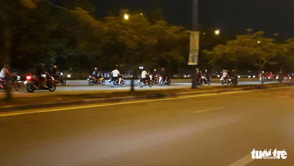 'Quái xế' lại tụ tập quậy trên đại lộ, khu đô thị Thủ Thiêm - Ảnh 3.