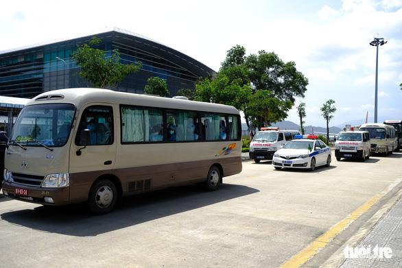 Đà Nẵng đưa đoàn khách Hàn Quốc về nước tối nay 25-2 - Ảnh 1.