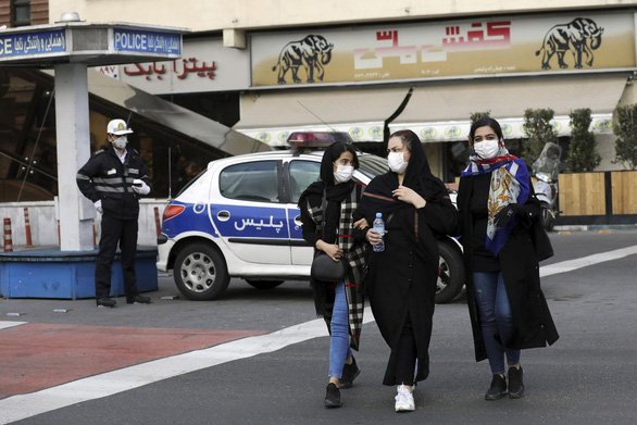 Iran tăng vọt ca nhiễm mới lẫn người chết vì COVID-19 - Ảnh 1.