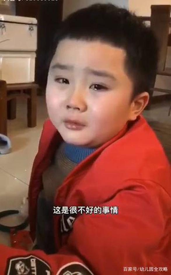 Những đứa trẻ Trung Quốc đáng thương thời COVID-19 - Ảnh 2.