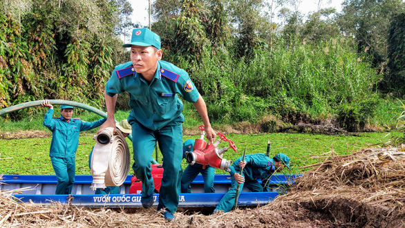 Nguy cơ cháy rừng ở Vườn quốc gia U Minh Hạ rất lớn - Ảnh 1.