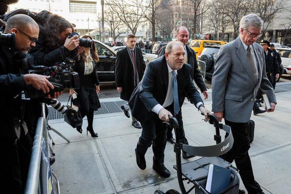 Harvey Weinstein nhập viện sau khi bị kết tội hiếp dâm - Ảnh 3.