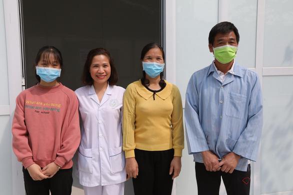 Bệnh nhân COVID-19 cuối cùng ở Việt Nam xuất viện - Ảnh 1.