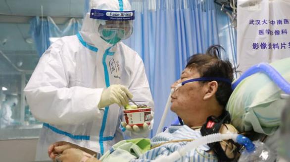 Y tá Vũ Hán viết tâm thư: Chúng tôi cũng là con người - Ảnh 1.