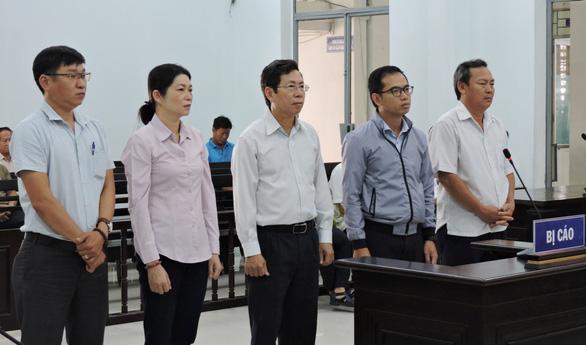 Phó chủ tịch TP Nha Trang và 4 bị cáo được đề nghị án treo - Ảnh 1.