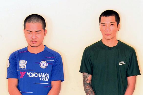 Khởi tố 2 thanh niên gây ra hàng loạt vụ cướp giật tài sản phụ nữ - Ảnh 1.