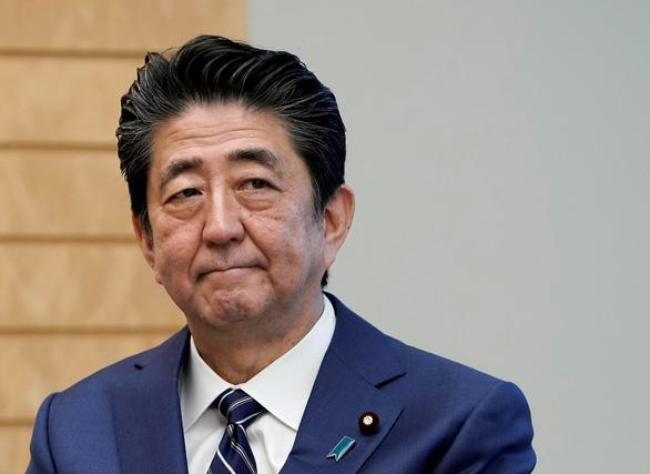 Thủ tướng Nhật kêu gọi tạm thời đóng cửa tất cả trường học - Ảnh 1.