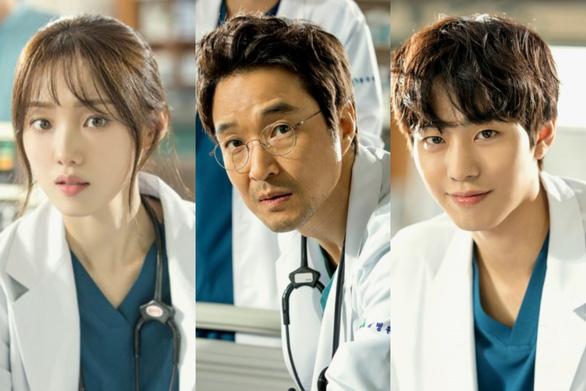 Dr Romantic 2: Cuộc chiến bảo vệ y đức - Ảnh 2.