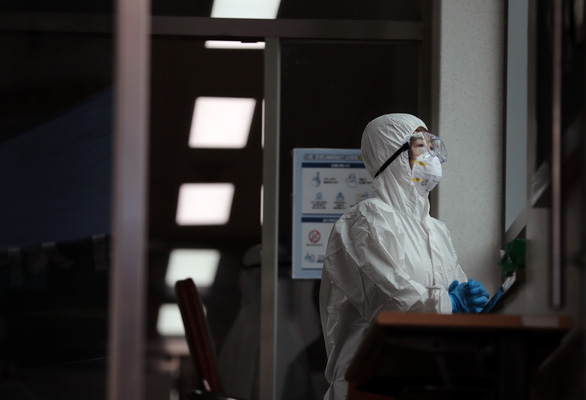 Số ca nhiễm ở Hàn Quốc tăng vọt - Ảnh 1.