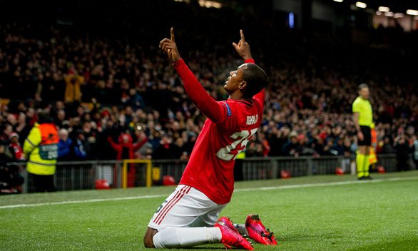 Cầu thủ mới đến từ Trung Quốc lập công giúp Manchester United giành vé đi tiếp - Ảnh 1.