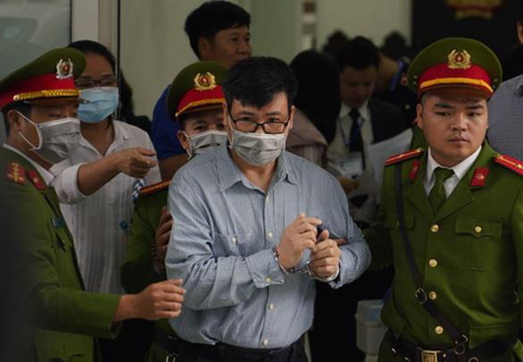 Hoãn phiên tòa xét xử ông Trương Duy Nhất - Ảnh 1.