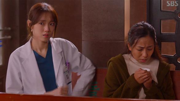 Dr Romantic 2: Cuộc chiến bảo vệ y đức - Ảnh 4.