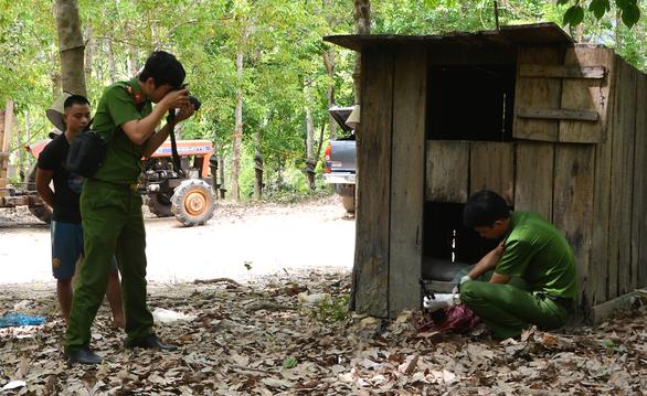 Bắt nhóm cất giấu súng đạn ở khu vực biên giới giáp Campuchia - Ảnh 1.