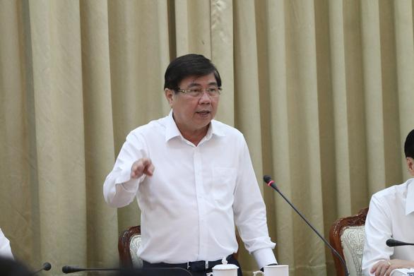 Chủ tịch Nguyễn Thành Phong: 'Lưu ý  các ngành dịch vụ tiếp xúc nhiều người như cắt tóc, massage - Ảnh 1.