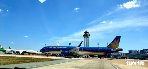 Miễn phí đổi vé máy bay cho hành khách Hàn Quốc đến Việt Nam - Ảnh 1.