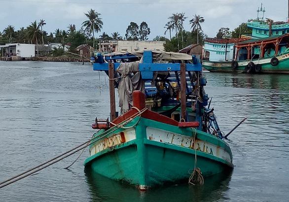 Ba ngư dân thiệt mạng trong hầm tàu câu mực - Ảnh 1.