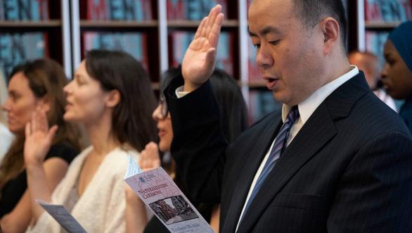 Mỹ tăng tước quốc tịch - Ảnh 1.