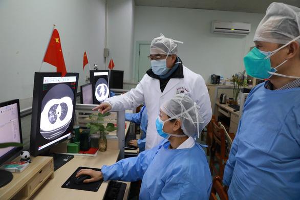 Đến sáng nay 3-2, thế giới có 17.387 ca nhiễm corona, 360 người chết ở Trung Quốc - Ảnh 1.